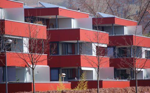 Verbesserte Förderung für die Sanierung größerer Wohngebäude