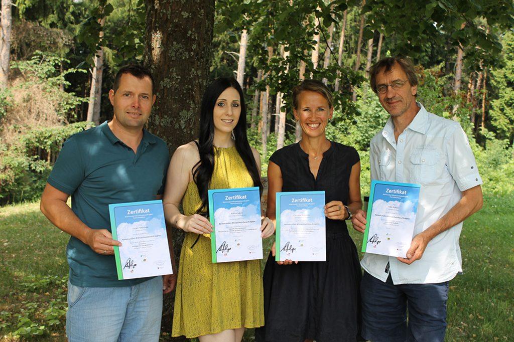 Die Vorarlberger AbsolventInnen vom Lehrgang zur/zum kommunalen Klimaschutzbeauftragten. Bild: Klimabündnis Tirol