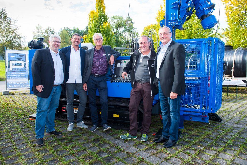 Seit den Anfängen vor 15 Jahren beim Solar- und Wärmepumpentag dabei (von links): Lucas Rupp (Weider Wärmepumpen), Markus Brändle (Brändle Installationen), Wilhelm Schlader (Energieinstitut), Lothar Gunz (Plankel Bohrtechnik) und Frank Widmann (illwerke vkw).