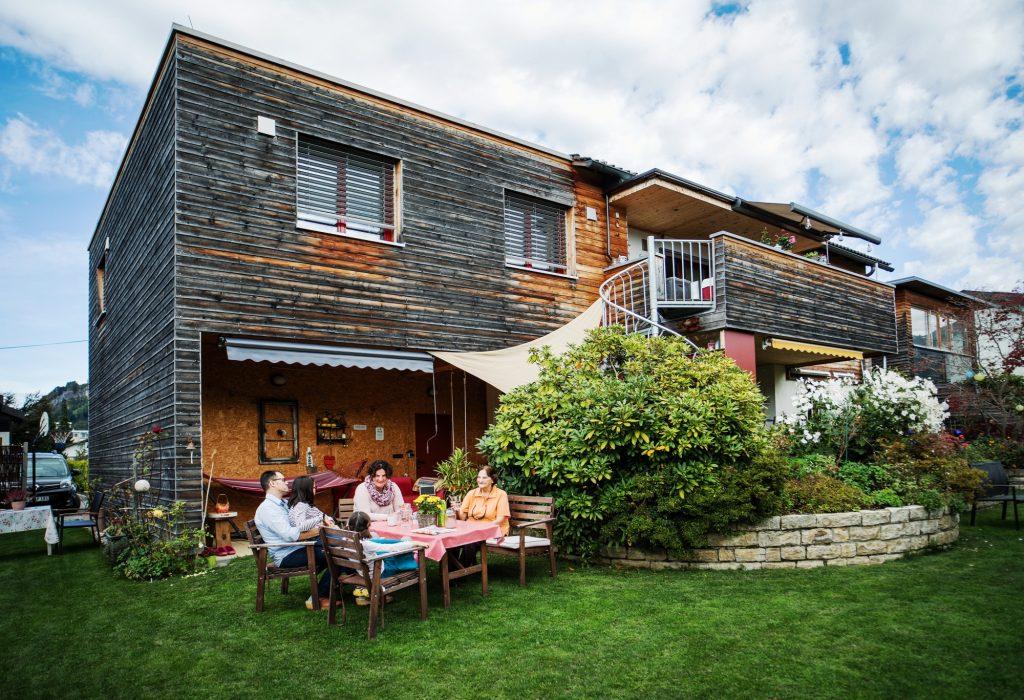 Vom Einfamilien- zum Generationenhaus lautet ein wesentlicher Trend in der Gebäudesanierung. Darin steckt die Chance auf leistbaren und sozial nachhaltigen Wohnraum.