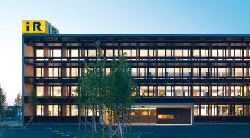 LOW TECH Bürogebäude der i+R Gruppe in Lauterach. Bildnachweis Bruno Klomfar