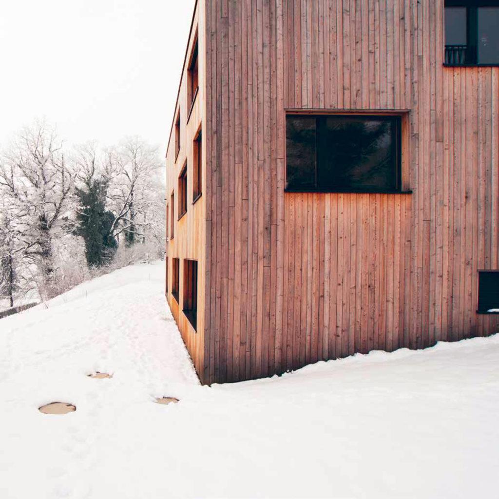 Außenansicht des Low-Tech-Einfamilienhauses Gstöhl in Eschen (FL). Bildnachweis: Ralph Feiner