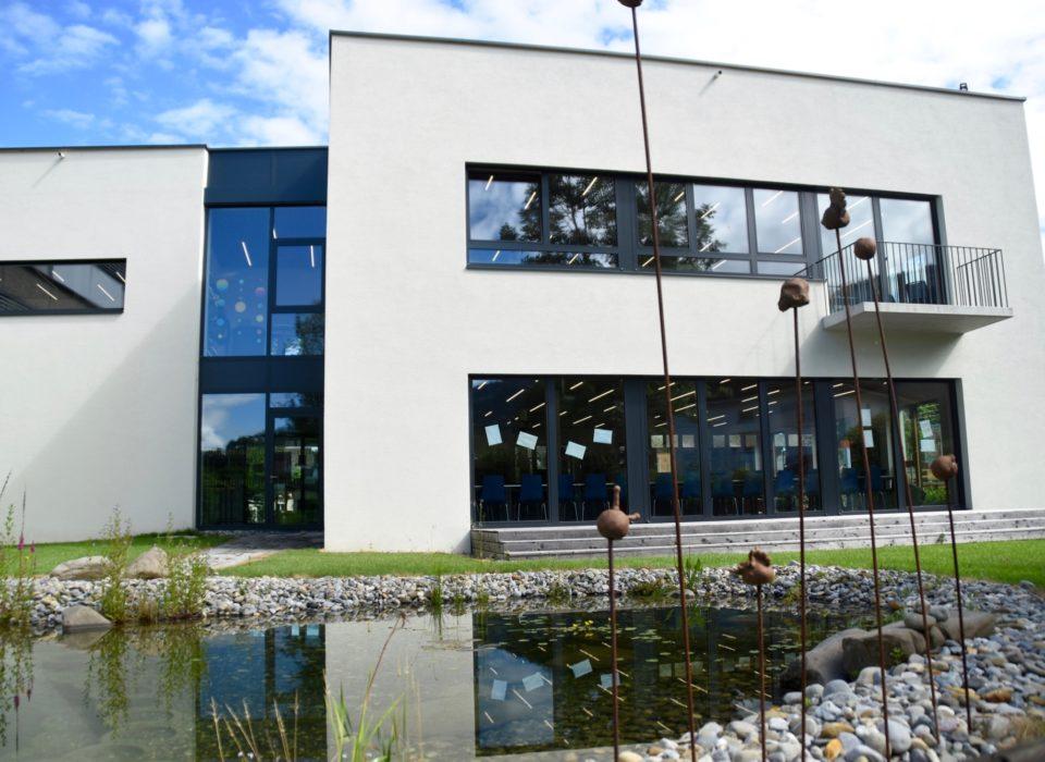 Der Anbau an die NMS Altach wurde vom Servicepaket Nachhaltig Bauen in der Gemeinde begleitet. Bildnachweis Caroline Begle