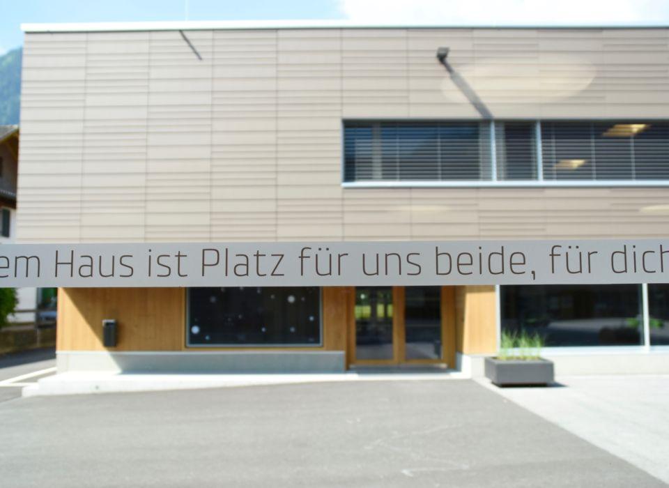 Die Unesco-Mittelschule Bürs wurde durch das Servicepaket Nachhaltig:Bauen in der Gemeinde begleitet. Bildnachweis Caroline Begle.