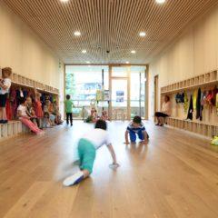 Der Kindergarten Dornbirn Hatlerdorf wurde vom Servicepaket Nachhaltig Bauen in der Gemeinde begleitet. Bildnachweis Caroline Begle.