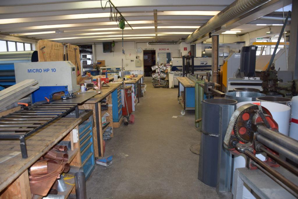 Die ehemalige Werkstatt der Firma Entner Dach. Nach der Sanierung sind Wohnungen entsanden. Foto: Entner