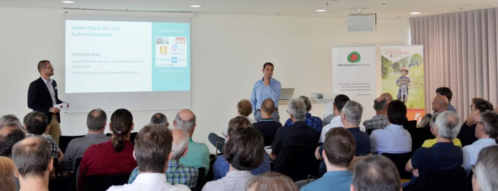 """Christian Dürr, Geschäftsführer E-Werke Walenstadt beim Fachkongress """"Innovative Stromanwendungen im Wohnbau"""" 2019."""