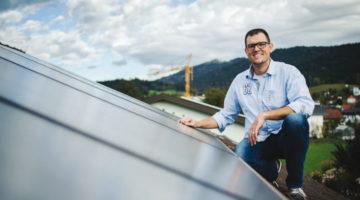 Eine thermische Solaranlage bringt einen hohen Ertrag. 6 bis 8 m² Kollektorfläche reichen für einen 4-Personen-Haushalt. Bild: Markus Gmeiner
