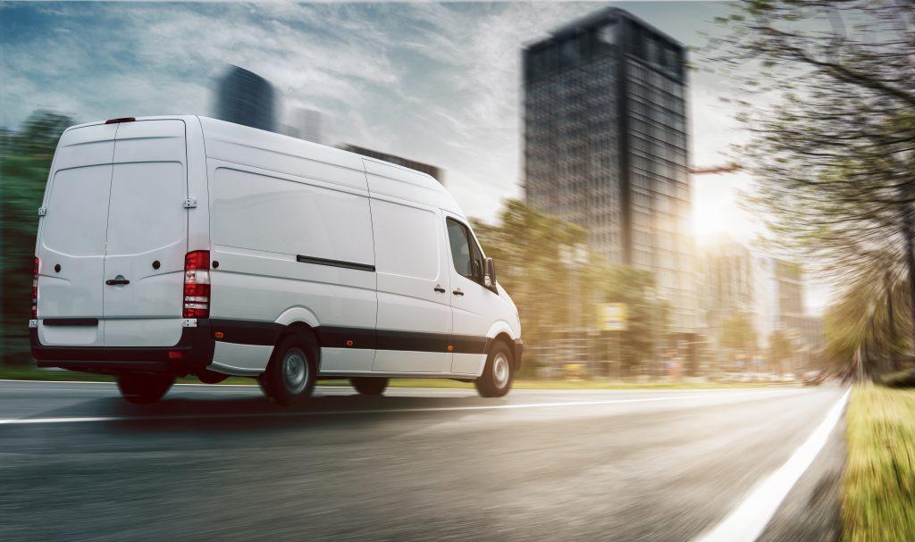 Wer ein neues Nutzfahrzeug für den Betrieb anschafft, sollte über ein Elektroauto zumindest nachdenken. Aus ökolgischen - aber auch aus ökonomischen Gründen. -©m.mphoto - stock.adobe.com